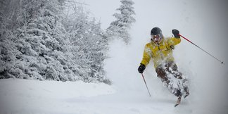 Season Pass Discounts for College Students in the Northeast ©Mont Tremblant