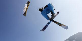 Snowkiting, czyli surfing na nartach lub desce – najlepsze miejscówki w Europie ©Sandra Reiling/Kiteschule Skywalker