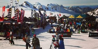 Les 2 Alpes opens skiing for October half term ©Les 2 Alpes