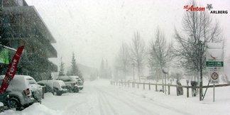 Schneebericht: Heftiger Wintereinbruch in den gesamten Alpen beschert weiße Ostertage ©St. Anton am Arlberg
