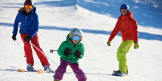Skier richtig bemessen: Längenempfehlung für Kinderski ©Fellhornbahn GmbH