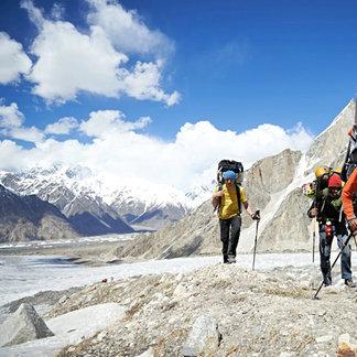 Lama, Ortner und Auer am Masherbrum - © Manuel Ferrigato-Red Bull Content Pool