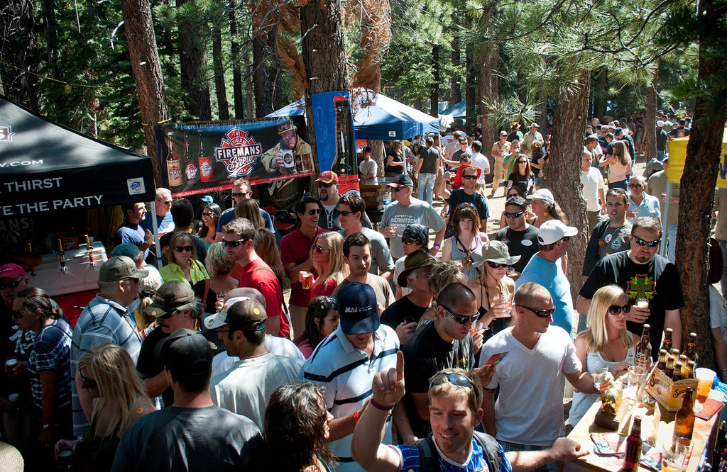 Arrive early on Saturday for the Mammoth's Bluesapalooza to take full advantage of the Grand Tasting. - © Mammoth Festival of Beers & Bluesapalooza