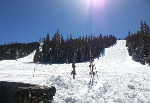 had a great weekend one day of snow one of blue ski
