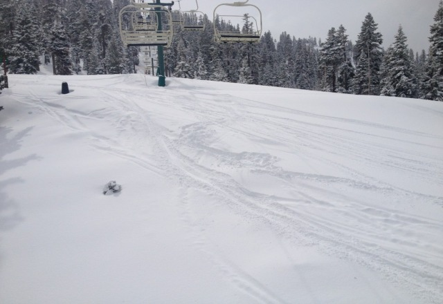 pow day thursday! more fluff than reported on many on the upper runs! still coming down lightly