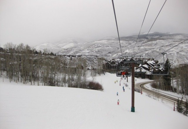 we got several inches this morning, flurries now. Pow best on PowWow run, arrowhead side. Icy on several runs though.