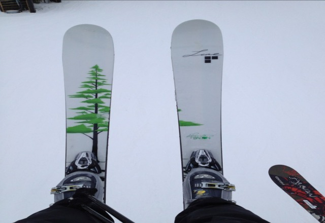 rode my new sfb lines yesterday! uhhhmaaazzzzing!!!! but conditions were decent until it started raining at 3. too wet for me so i sont know about today, but it will most likely be too icy or slushy. Keep us up to date with a reply whoever goes. and also tell someone that works there to keep their stats on here up to date!!!!