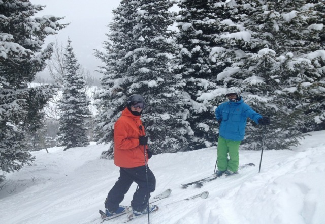 6-9 inches of nice powder fell at the resort and only a skiff in the city so it took everyone by surprise on Saturday and kept the crowds away. :)