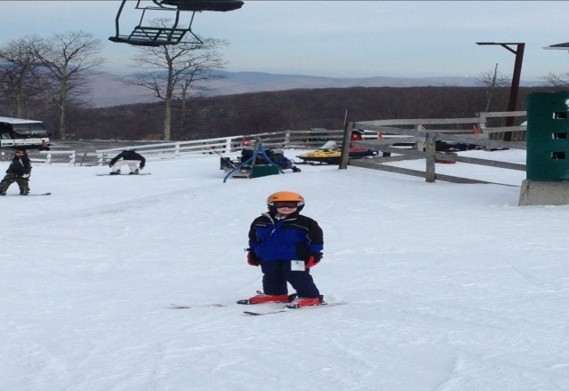 great skiing today! lots of snow, virtually no lift lines.