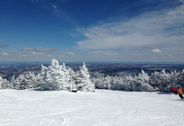 A beautiful day at pico with low 30's and deep snow. What a way to end the season. Its a shame they are closing so early.
