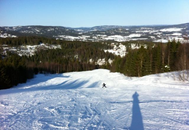 Knall skif?re, ikke ski p? himmelen i dag, nesten vindstille og rundt -1 til -4 grader