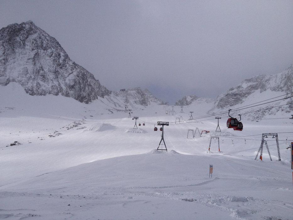 Na lodowcu Stubai panują już dobre warunki śniegowe - © Stubaier Gletscher