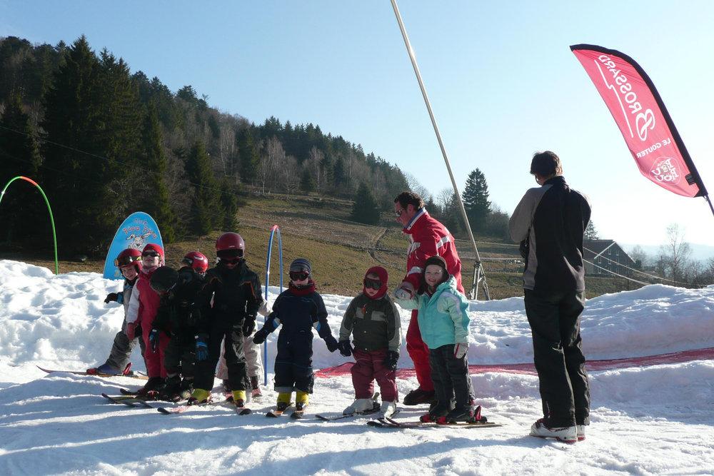 Apprentissage du ski à Bussang - Larcenaire - © Office de tourisme des Ballons des Hautes-Vosges