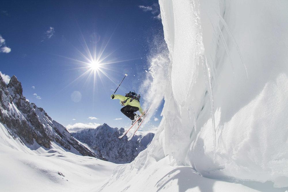 De Zugspitze staat vaak garant voor dikke pakken sneeuw. - © Bayerische Zugspitzbahn/Matthias Fend