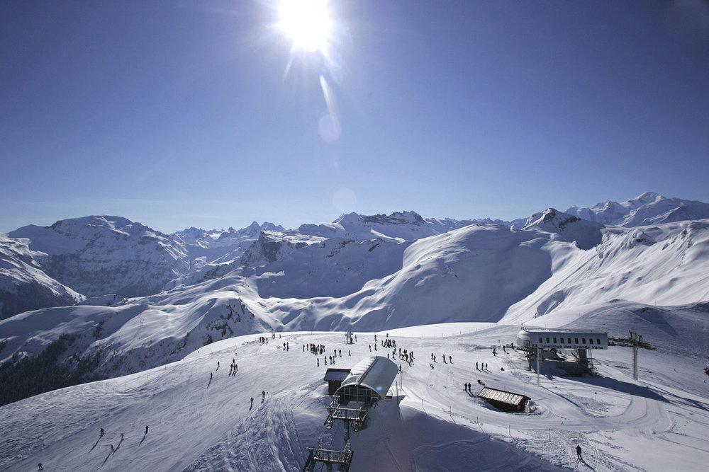 Le domaine skiable de Flaine donne accès au point culminant du Grand Massif. - © JL Rigaux