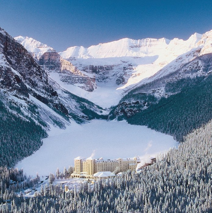 The stunning Fairmont Chateau Lake Louise. - © Banff Lake Louise Tourism
