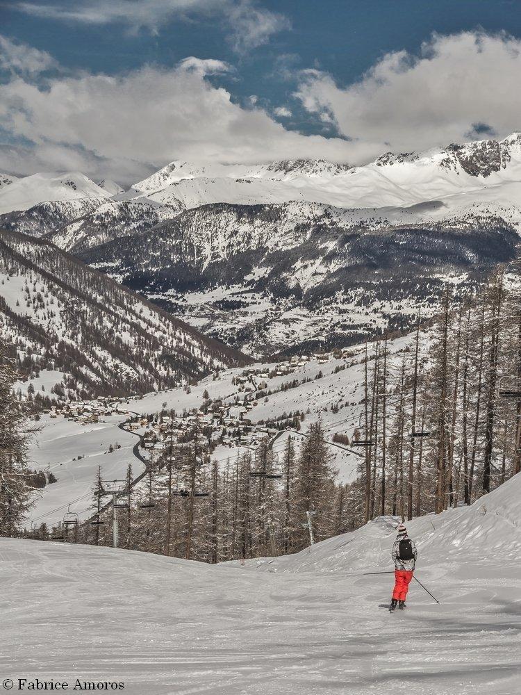 Ski sur le domaine skiable de Molines en Queyras - © Fabrice Amoros / OT du Queyras