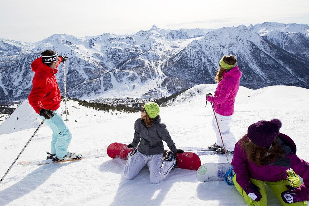 Ski sur les hauteurs de Montgenèvre - © Thibaut Durand / OT Montgenèvre