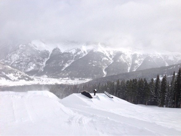 Christmas came early. No crowds, excellent coverage, plenty of fresh tracks.