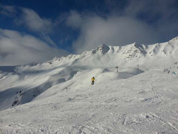 Another big snow fall last night.  Excellent conditions