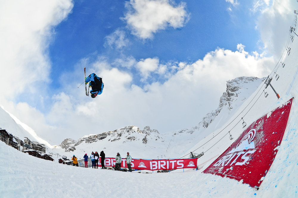 Ski big air bij The BRITS in Tignes, 2013 - © The BRITS