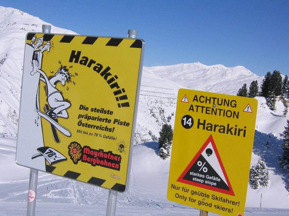 """Au départ de la piste """"Harakiri"""", les skieurs savent clairement à quoi s'attendre : une pente à 78% !"""