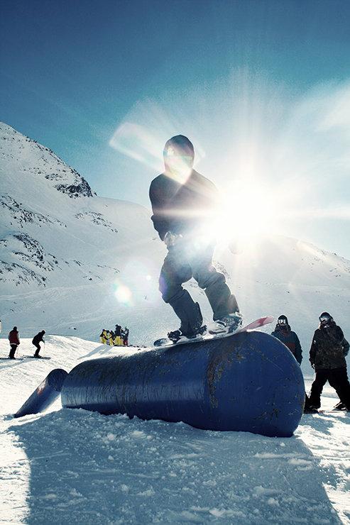 Snowpark Kaunertal: Das Polejam-to-Tank (Specials) - © Stefan Drexl