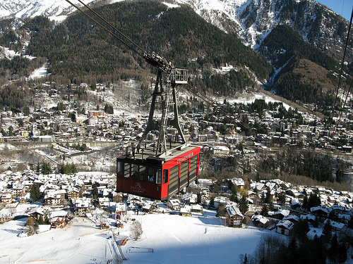Riding the cable car from Courmayeur.  - © Leo-Seta