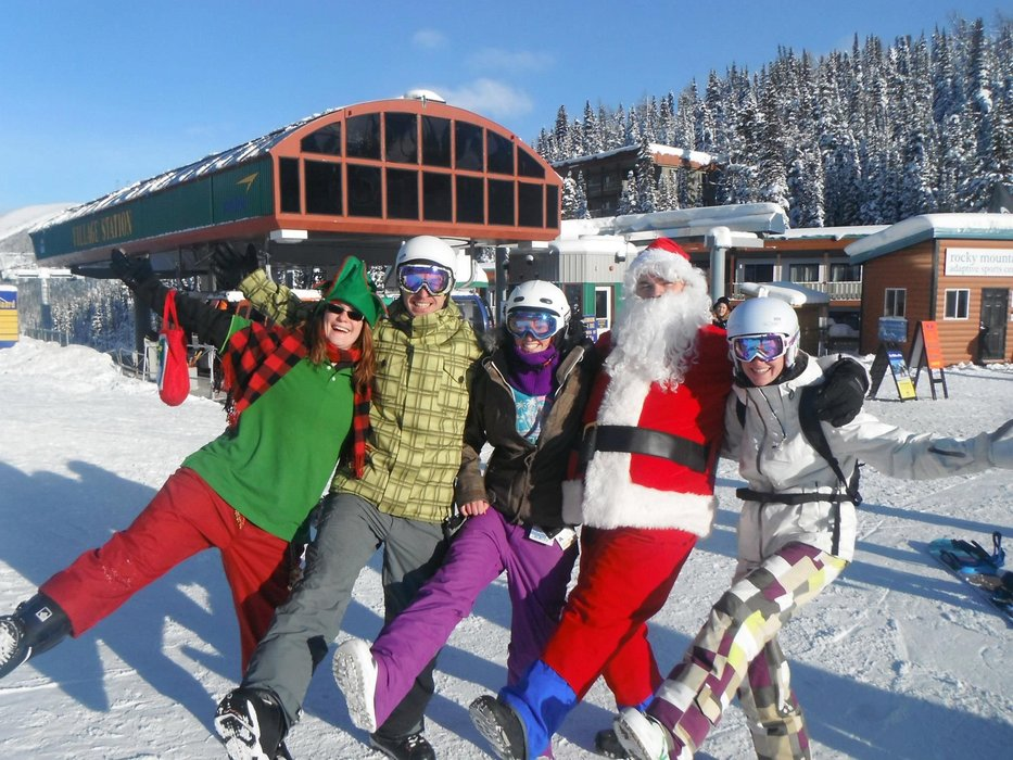 Snow-dancing under the sunshine with Santa! - © Sunshine Village Resort