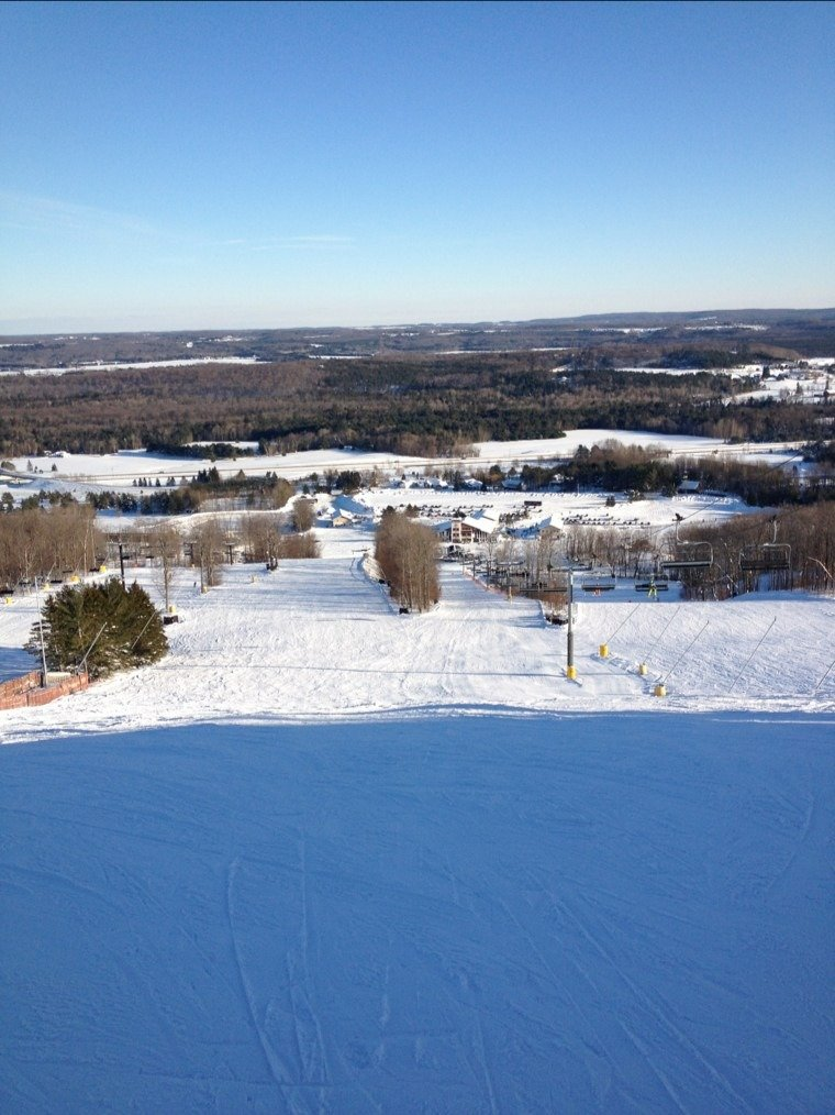 Mt St Louis-Moonstone is a great place to ski, two thumbs up to great conditions on Thursday and Friday!