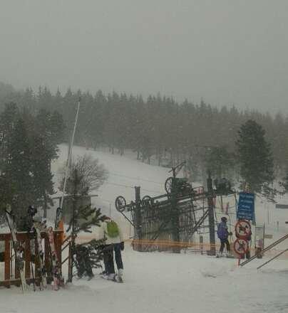 Aujourd'hui neige correcte sur les pistes, chutes  abondantes depuis 11h : vivement demain !