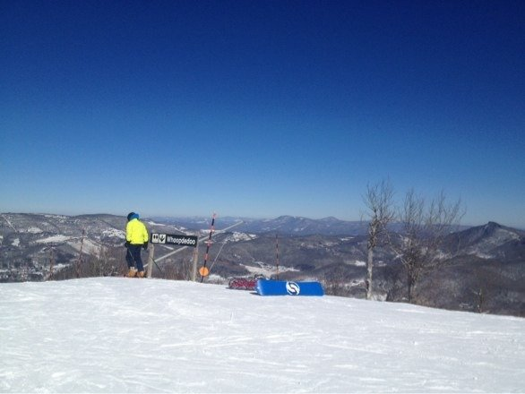 For anyone who wants a real review here you go..... Sugar is great it's has its issues as it's a little outdated the lifts could be better and blah blah blah. But for the south east it's the best you'll find. Don't come expecting the Rockies it's the smokies!! A made a run top to bottom in 2min 50sec at a average speed of 35mph. They also have condos right on the edge of the main run pretty cool.