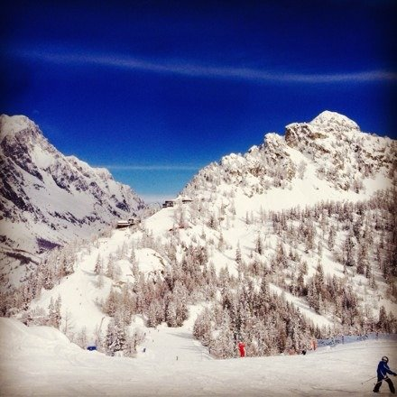 Great bluebird day Thursday feb 6th with tons of fresh snow!