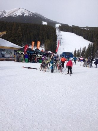 Nice day -3 school tour here but no wait times for the lift. Awesome day! Demo days here too lots to choose from!
