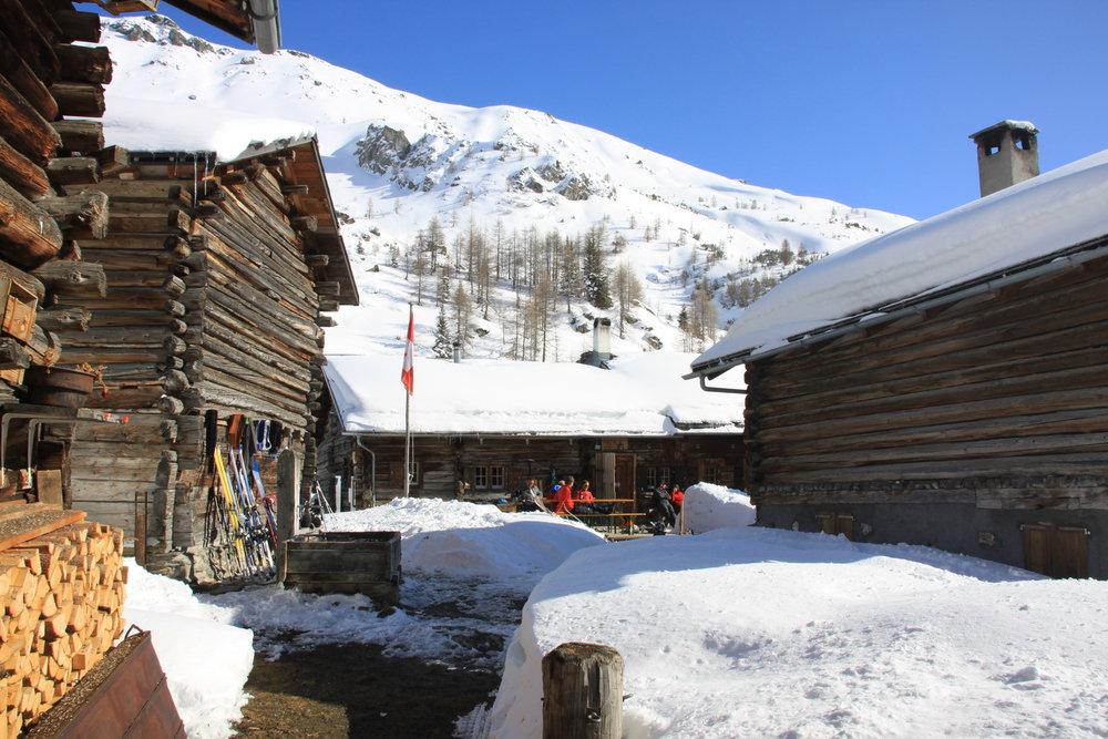 Auf der Skihütte Piz Platta