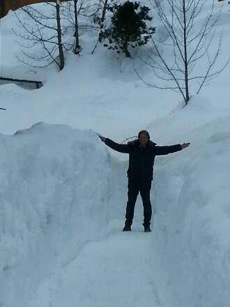 tanta tanta tanta neve stupenda...... oggi ha nevicato tutto il giorno...