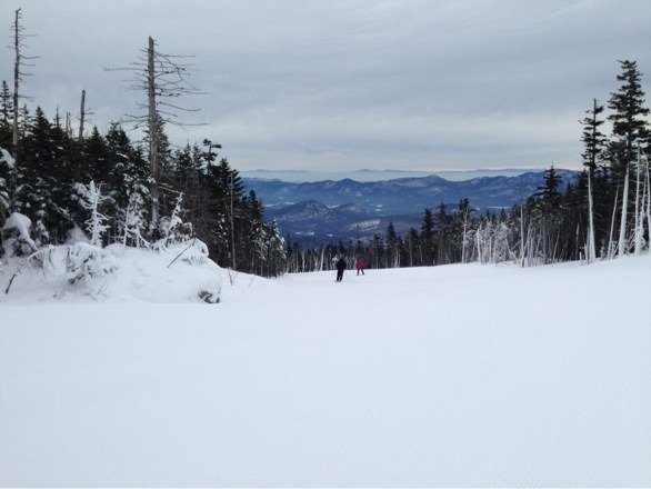 Conditions are very good. As expected ice at the top,  but sufficient powder to make it skiable and enjoyable