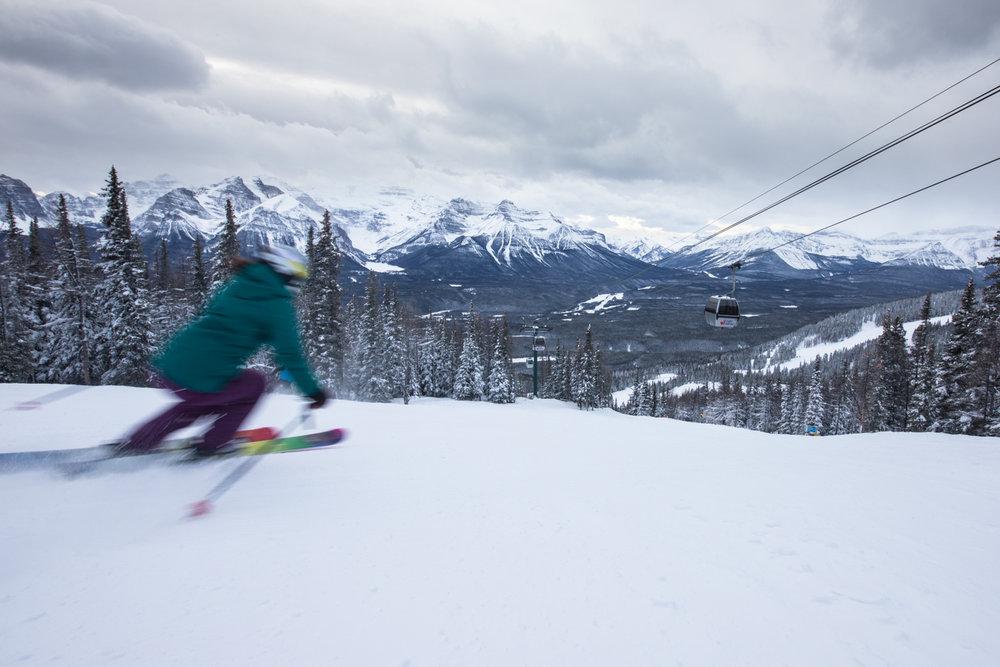Kasper Miller on the final run of the powdery week in Banff. - © Liam Doran