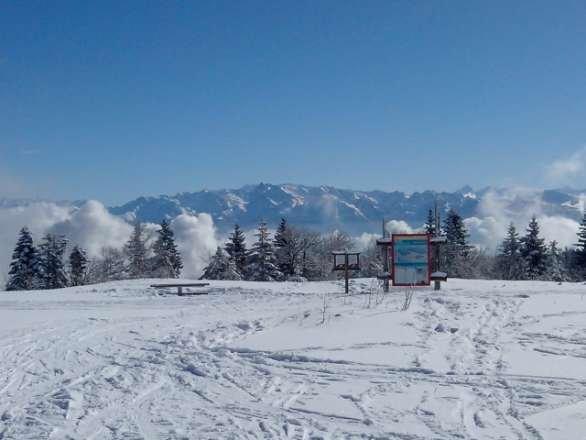 temps super soleil et neige au rendez-vous je la conseil pour le skie en familles