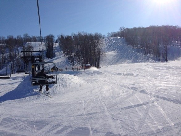 Very nice day to be out on the slopes. Slopes are well groomed with several long trails opened to ski or board on. Also location has a terrain park for those boarders that need an extra challenge. Park is also setup for night skiing until 9pm.