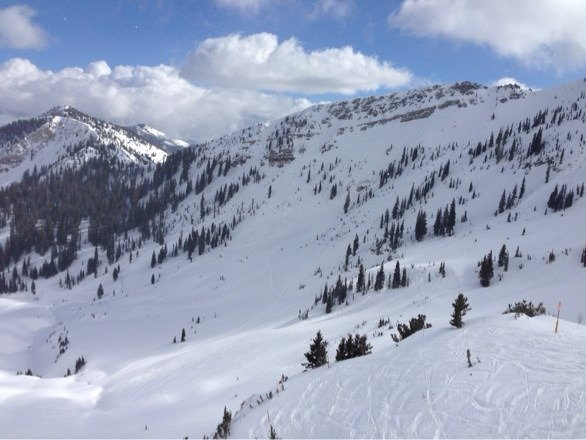 Awesome day today in Mineral Basin. Sun in and out a bit but this is what it looked like when in was out!