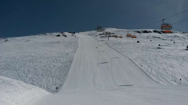 guter schnee, top Wetter, alle Pisten geöffnet, total leer, erstklassige Pistenpflege