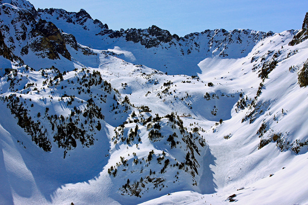 Vue sur une partie du domaine skiable de Barèges - © Grand-Tourmalet / N'PY
