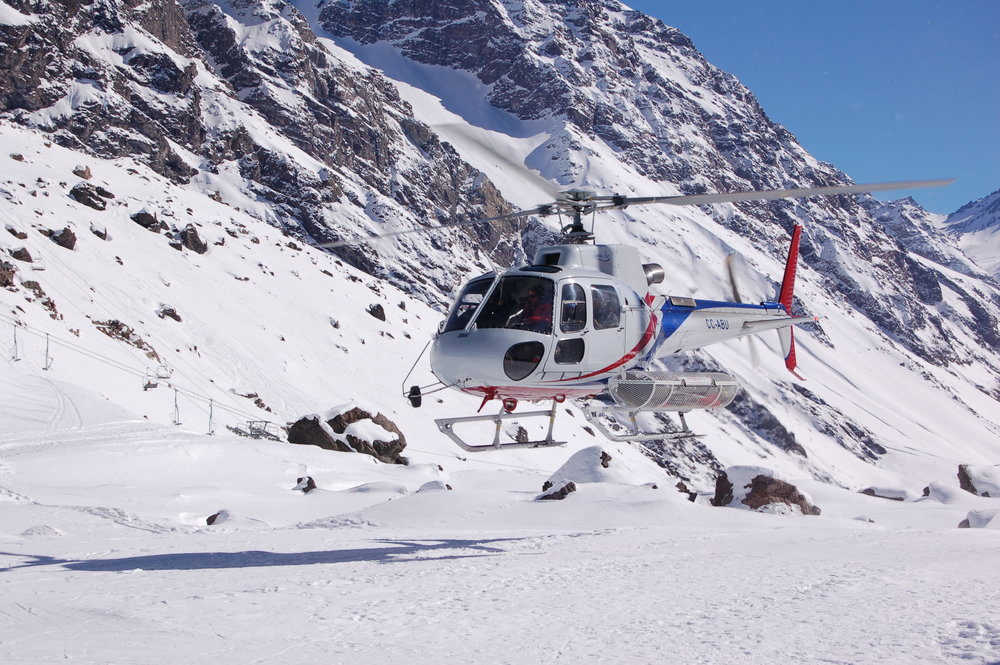 The heli lifts off from Portillo in 2014. - © Cindy Hirschfeld