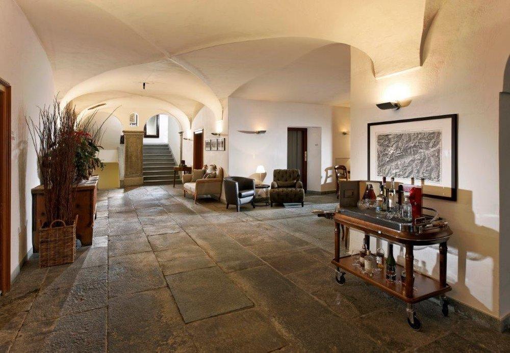 Hoteleingang vom Bodenhaus in Splügen - © Marion Neumann