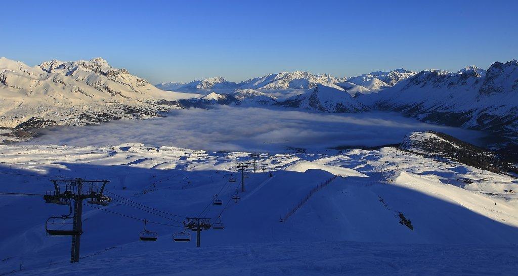 Le soleil se lève sur le domaine skiable de Superdevoluy - © Office de Tourisme du Dévoluy