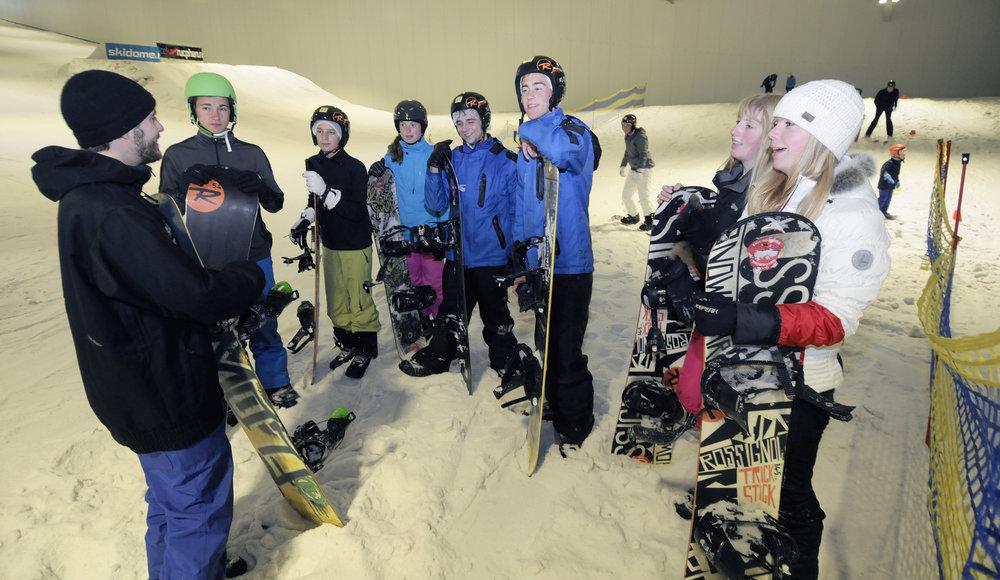 Proefles tijdens Skidôme open dagen in Rucphen - © Topsfeer tijdens opening winterseizoen Skidôme Rucphen
