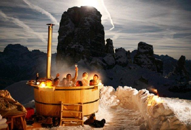 After dinner take a soak in the tub at Rifugio Scoiattoli - ©Rifugio Scoiattoli