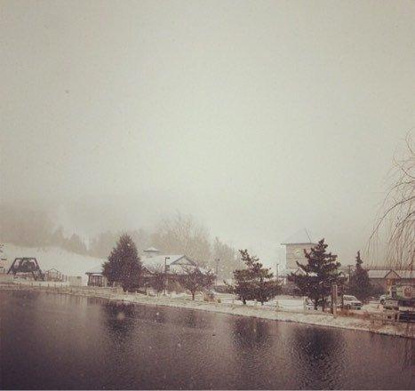 SNOW AREADY