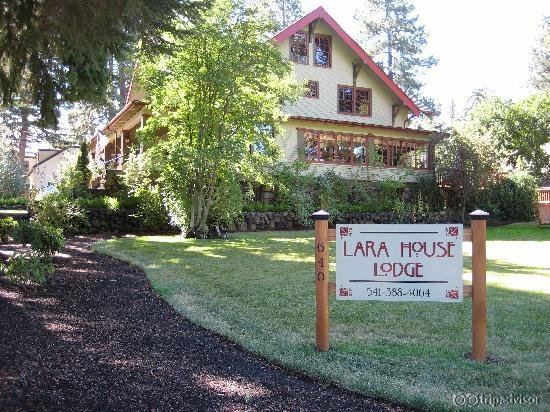 Lara House Bed and Breakfast